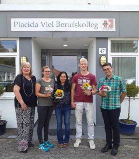 Gaby Petry (l.) freut sich auf die Zusammenarbeit mit Sara Ludwig, Mariza Rickert, Dominik Starke und David Hayden. Foto: SMMP/Hofbauer
