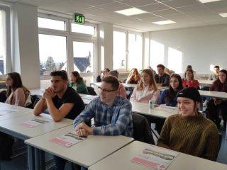 Gespannt verfolgten die Jugendlichen die Vorträge. Foto: SMMP/Hofbauer