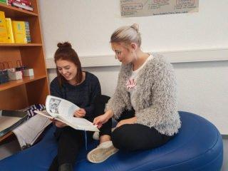 Neues Unterrichtskonzept: Die Schüler entscheiden selbst, wann sie was und mit wem lernen. Foto: SMMP/Hofbauer