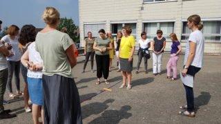 In der Theorie und mit vielfältigen Übungen setzte sich das Kollegium mit dem schwierigen Thema auseinander. Foto: SMMP/Hofbauer