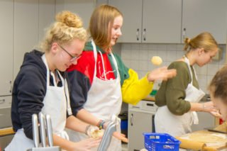 Die Jugendlichen und jungen Erwachsenen wissen die Auszeit zu schätzen und haben viel Spaß. Foto: SMMP/Ulrich Bock